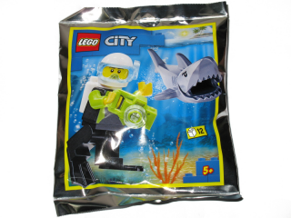 LEGO® KLASIK 952019 SCUBA DRIVER AND SHARK